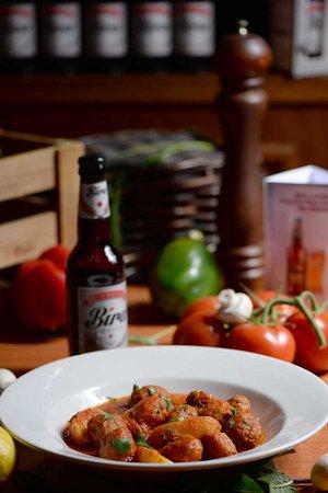 Cucina cafe bar restaurant, pizza, pasta, wine, beers, italian food,