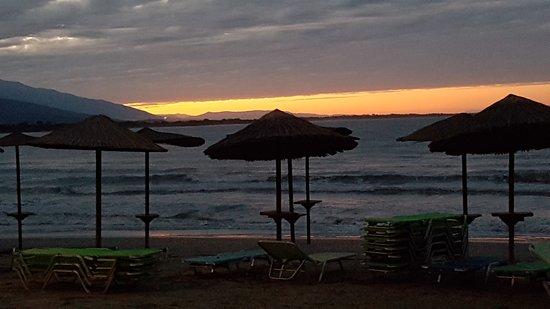 Stomio, Greece: plaża wieczorem
