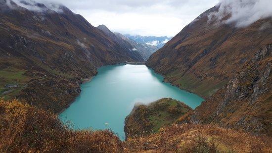Hochgebirgsstauseen: the loewr lake