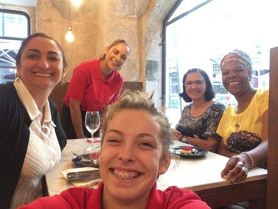 Loja das Conservas: Meninas adoráveis Rafa e Surya obrigada pela simpatia e alegria pelo trabalho que fazem. Flávia