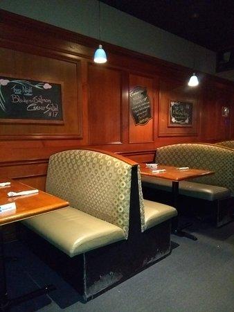 Cranberries Bar & Grill : Inside the Cranberries Restaurant