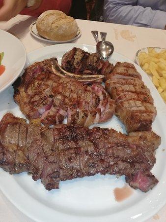 Parrillada De Carnes Picture Of Restaurante Asador Los Abetos Nigran Tripadvisor