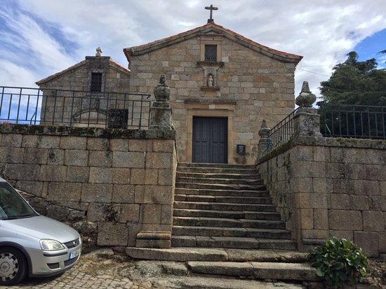 Igreja De Santiago E Panteao Dos Cabrais: Igreja de São Tiago