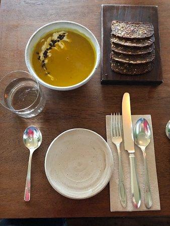 Lummi Island, WA: pumpkin soup and grackers