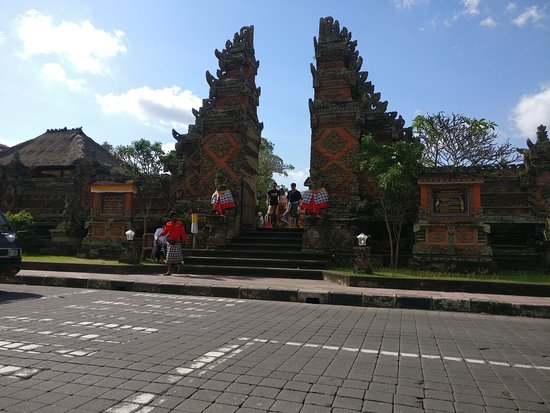 Bali Dewata Tour Driver