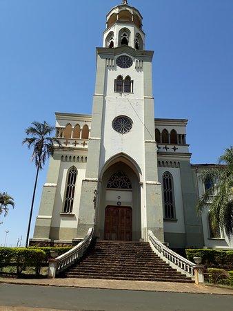 Claraval, MG: Mosteiro Frente