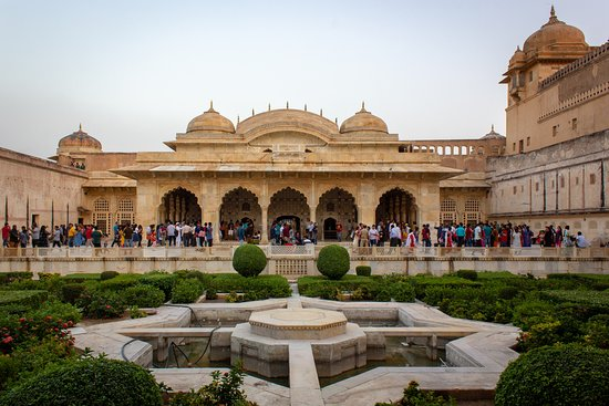 Kaimur Holidays: Amber Fort in Jaipur
