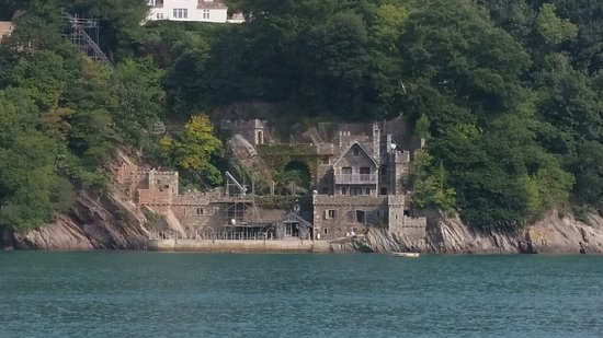 interesting houses on the banks