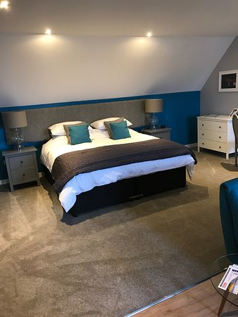 Dalgety Bay, UK: Had an amazing sleep in this massive bed