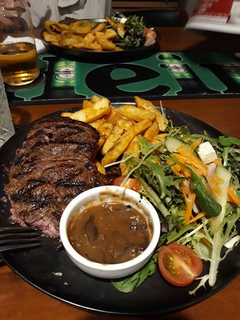 Miles, Australia: Can definitely recommmend the steak.