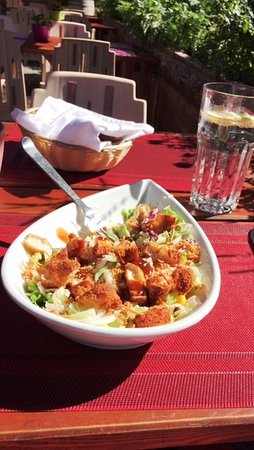 Raron, Switzerland: Chickensalat