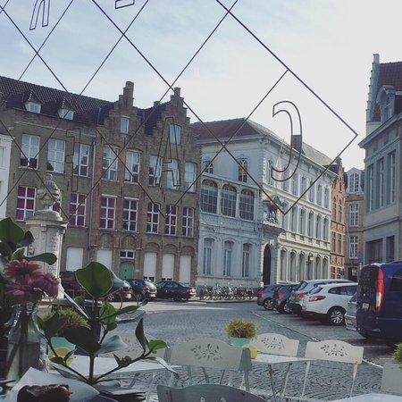 Window View - Vero Caffe Picture