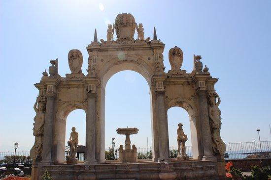 Fountain of Giant