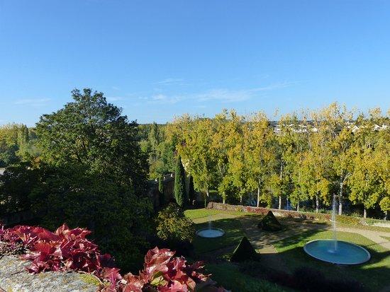 Montreuil-Bellay, France: les jardins
