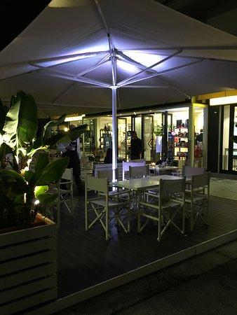 Cafe Fappani: Außenansicht