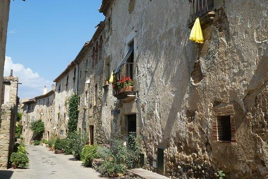 rue de Monells