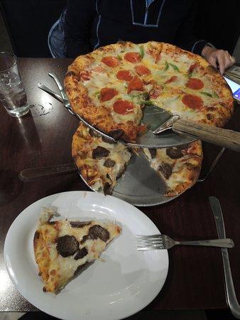 Brickhouse Pizzeria: Small Pizzas