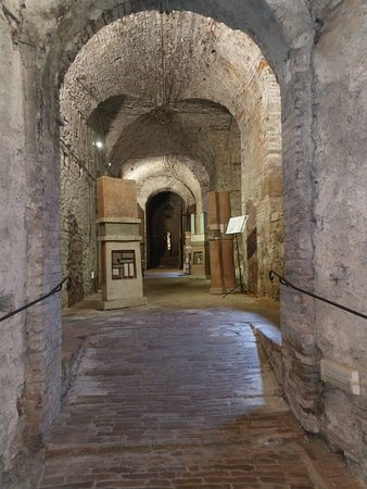 Rieti's Underground: IMAG1027_large.jpg