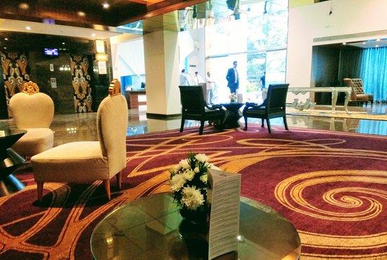 La Marvella, Bengaluru - A Sarovar Premiere Hotel