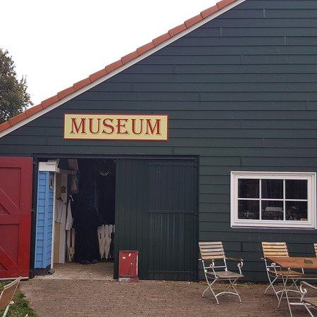 Ballum, Нидерланды: Wat iemand in 50 jaar kan verzamelen, geweldig om te zien en de ruimtes zijn erg leuk ingedeeld.