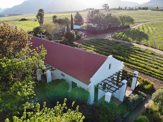 Entrance - Picture of Eikendal Lodge, Stellenbosch - Tripadvisor