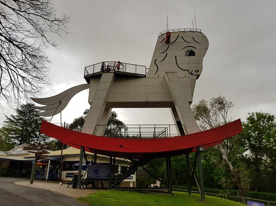 Gumeracha, Australia: A very big Rocking Horse