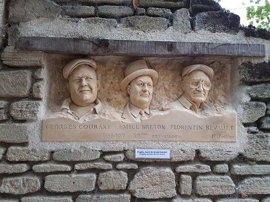 Louresse-Rochemenier, France: 20181028_153644_large.jpg