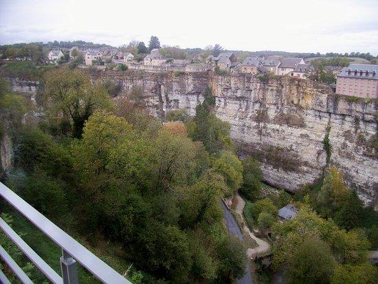 Bozouls, France: Vue de la place