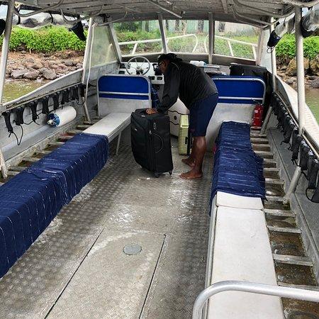 "Qamea Island, Fidschi: Fish and Chips, ""exklusives"" Tauchboot für ca. 700.- € zum Rainbow Reef🙈"