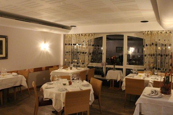 Salle à manger pouvant accueillir jusqu'à 25 personnes