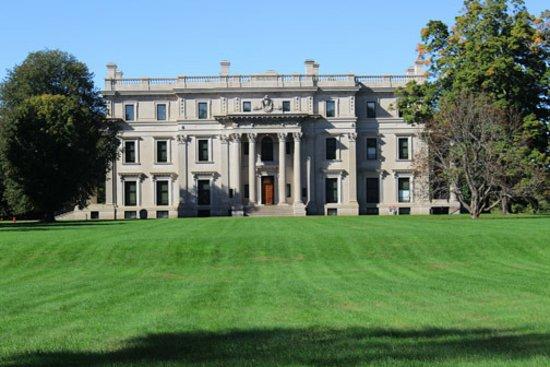 Vanderbilt Mansion National Historic Site: Vanderbilt Mansion grounds