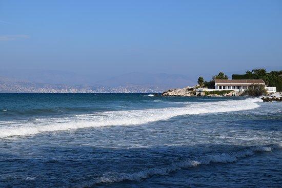 St. Spyridon First Beach: View along the beach