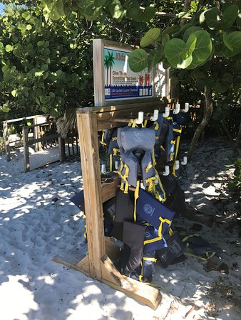 Vanderbilt Beach, Φλόριντα: Life preservers