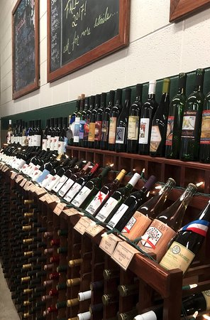 Montgomeryville, PA: We have an extensive selection of wines and ciders available in our tasting room.