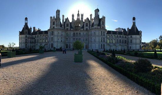 Billets coupe-file: excursion dégustation de vins d'une journée dans les châteaux de la vallée de la Loire, Chambord et Chenonceau au départ de Paris : Chambord