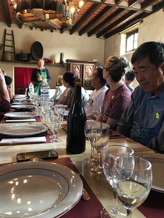 Billets coupe-file: excursion dégustation de vins d'une journée dans les châteaux de la vallée de la Loire, Chambord et Chenonceau au départ de Paris : Lunch and wine tasting