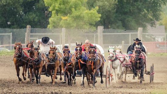 Morris, Канада: Race time