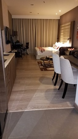 Huge Room with Kitchen facilities