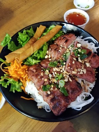 Temple City, CA: Vermicelli with beef nen