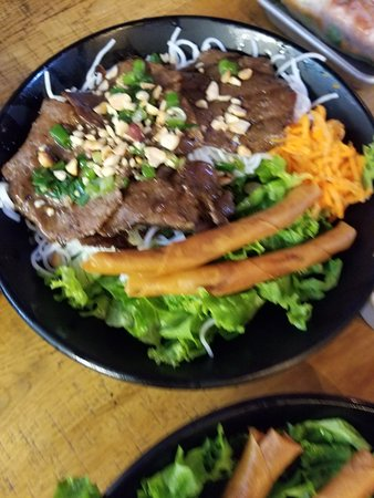 Temple City, CA: Vermicelli with charbroiled lemongrass beef