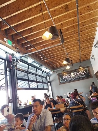Temple City, CA: Indoor seating