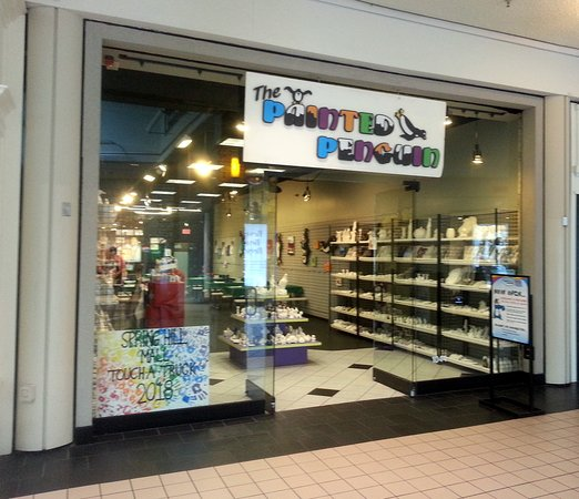 West Dundee, IL: entrance to The Painted Penguin in SpringHill Mall