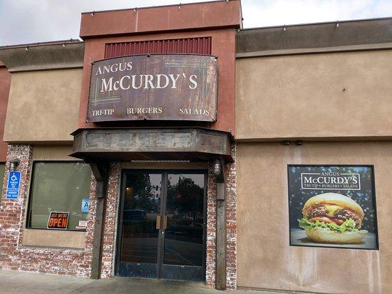 Yucaipa, CA: Front Entrance