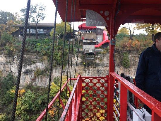 Ramada by Wyndham Niagara Falls by the River : Aero Car.