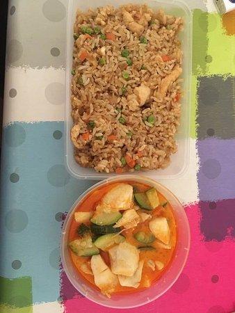 Les Avirons, Reunion: Joue de legine curry rouge et riz frit.