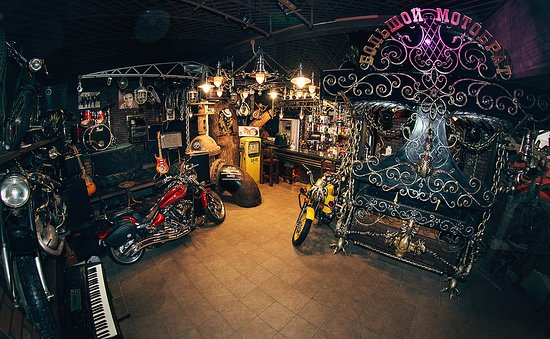Retro-moto art-cafe