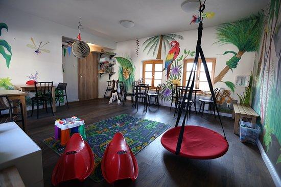 Mnisek pod Brdy, Tschechien: herna pro děti