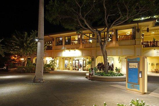 Tommy Bahama Restaurant & Bar: Außenansicht des Restaurants