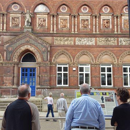 Heritage Buildings within walking distance ensure an enjoyable visit to Burslem