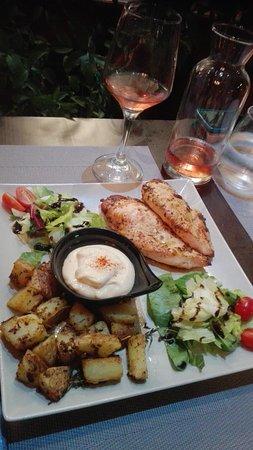 Oreoi, Grèce: Τι όμορφη θεα, τι νόστιμα πιάτα,τι προσιτές τιμές!